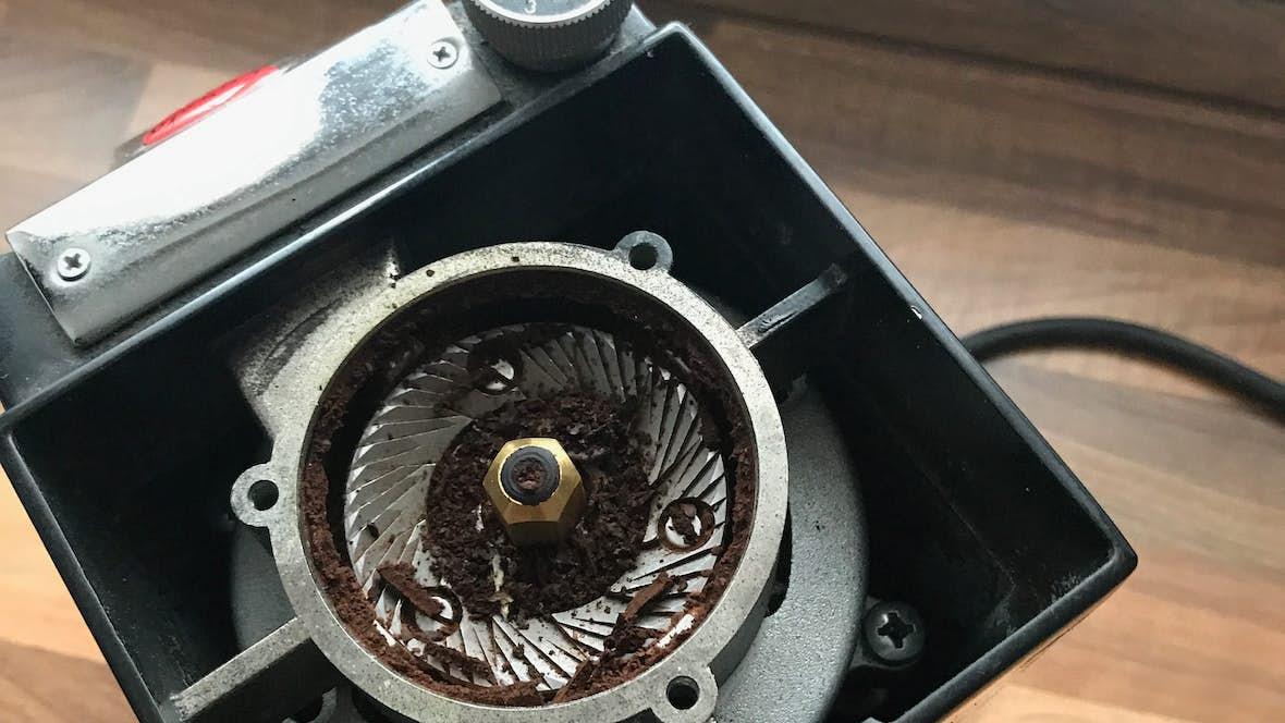 Super Espressomühle reinigen und pflegen - Schritt für Schritt erklärt &LA_94